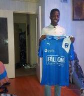 Sankhare silly Jeunesse Aubervilliers 2001 signe à Niort…