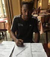 Issa DIAKITÉ (AS Meudon) signe au pays des champions d'Europe!!