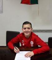 Contenu sponsorisé/Malek ADRAR (Lusitanos Saint Maur-U13) signe au RC Strasbourg!
